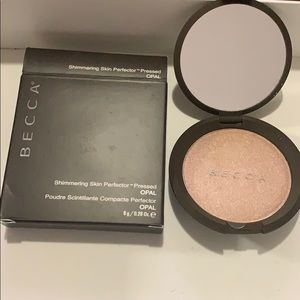 BECCA Shimmering Skin Perfector Pressed-Opal